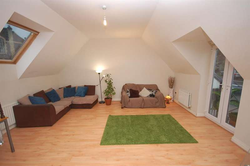 3 Bedrooms Terraced House for sale in Whitehall Road, Whitehall, Bristol, BS5 7BG