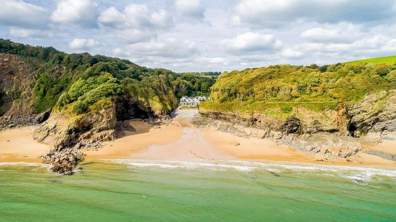 11 Bedrooms Detached House for sale in Nr Tenby, Pembrokeshire, SA70