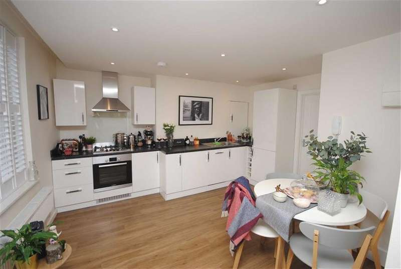 1 Bedroom Flat for sale in 28 Market Square, Leighton Buzzard