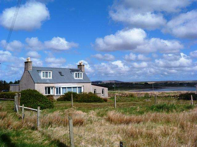 3 Bedrooms House for sale in 40 Upper Coll, Back, Isle of Lewis HS2