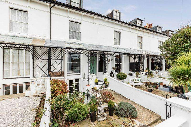 3 Bedrooms Terraced House for sale in Netley Terrace, Southsea