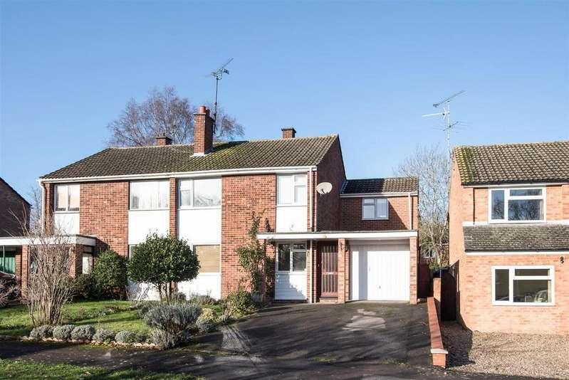 4 Bedrooms Semi Detached House for sale in Holmes Crescent, Wokingham Berkshire RG41 2SE