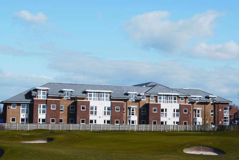 2 Bedrooms Apartment Flat for rent in Frobisher Drive , LYTHAM ST ANNES, FY8