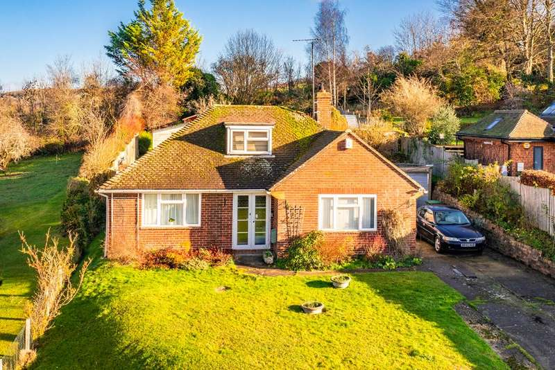 3 Bedrooms Detached House for sale in Dorvic, Goring on Thames, RG8
