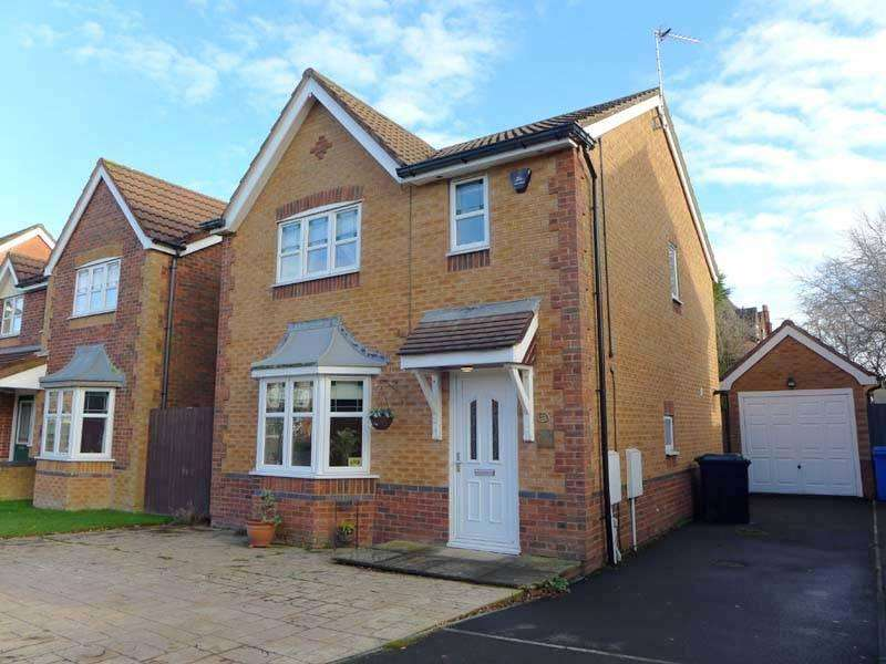 3 Bedrooms Detached House for sale in Caernarfron Close