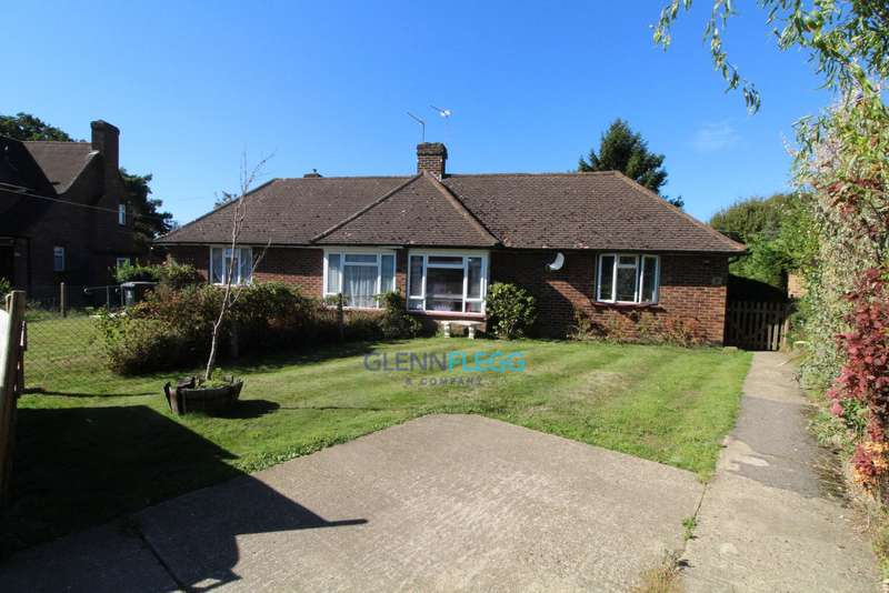 2 Bedrooms Bungalow for sale in George Green, Langley