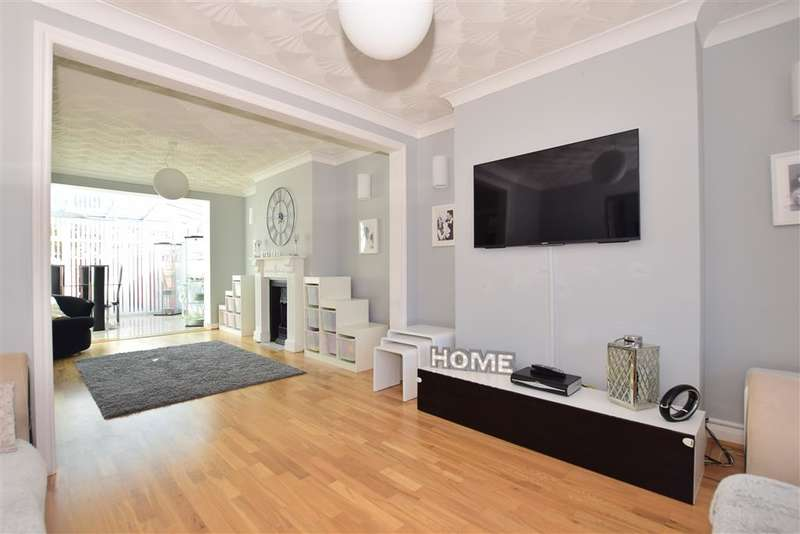 4 Bedrooms Semi Detached House for sale in Coniston Close, , Barnehurst, Kent