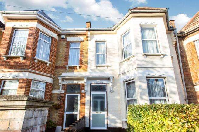 3 Bedrooms House for sale in Fletching Road, London
