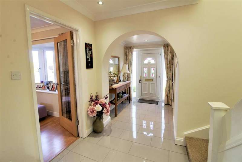 4 Bedrooms Detached House for sale in Welland Way, Deeping St. James