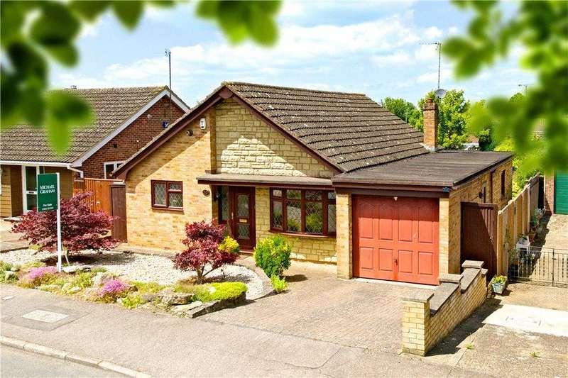 3 Bedrooms Detached Bungalow for sale in Milford Avenue, Stony Stratford, Milton Keynes, Buckinghamshire