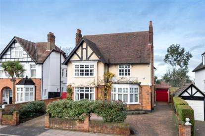 7 Bedrooms Detached House for sale in London Lane, Bromley