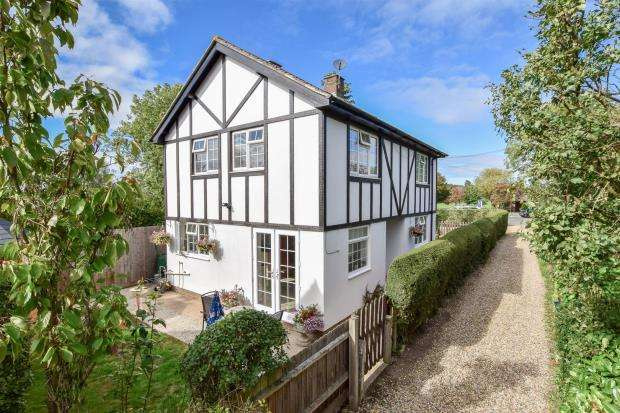 3 Bedrooms Detached House for sale in Wimpole Road, Barton, Barton, Cambridge