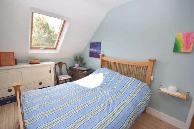 4 Bedrooms Semi Detached House for sale in Nanpantan Road, Loughborough