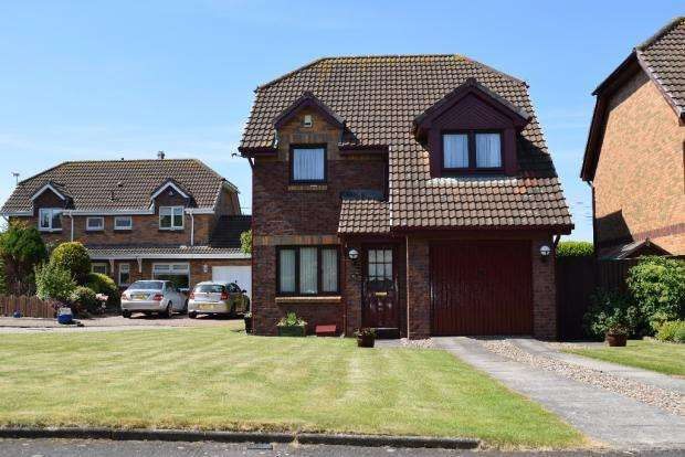 3 Bedrooms Detached House for sale in Station Drive , Prestwick KA9