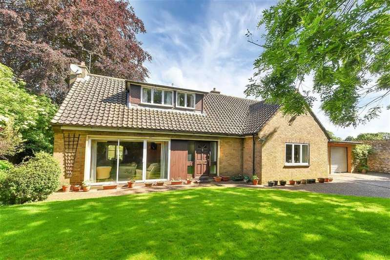 3 Bedrooms Detached House for sale in Cottesford Place, James Street, Lincoln, Lincolnshire