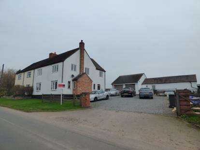 5 Bedrooms Semi Detached House for sale in New Road, Tamworth, Staffordshire