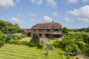 5 Bedrooms Detached House for sale in Chapmans Town Road, Rushlake Green, Heathfield, East Sussex