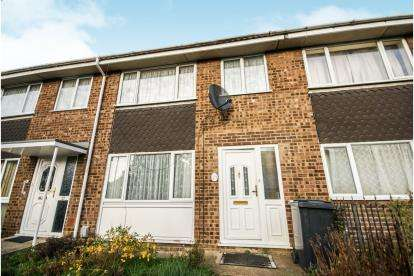 3 Bedrooms Terraced House for sale in Walnut Walk, Kempston, Bedford, Bedfordshire