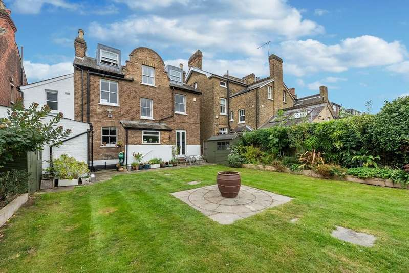 6 Bedrooms Detached House for sale in Derby Road, South Woodford