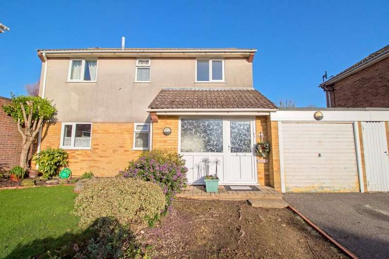 4 Bedrooms Detached House for sale in Rosemary Close, Peacehaven