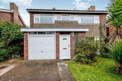 5 Bedrooms Detached House for sale in Stubbington, Hampshire, Fareham