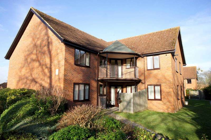 1 Bedroom Retirement Property for sale in Chiltern Court, Emmer Green, Reading