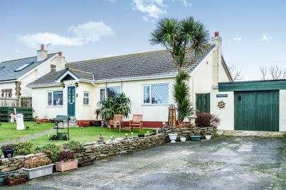 3 Bedrooms Bungalow for sale in Tintagel, Cornwall, .
