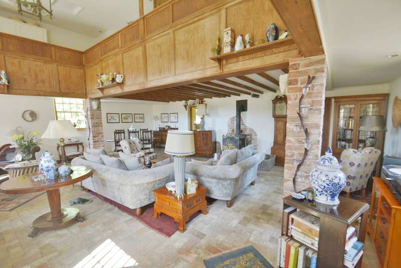 2 Bedrooms Cottage House for sale in Low Road, Wortwell