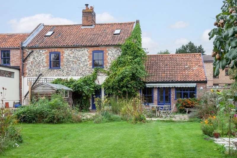 4 Bedrooms Detached House for sale in Old Lakenham, Norwich