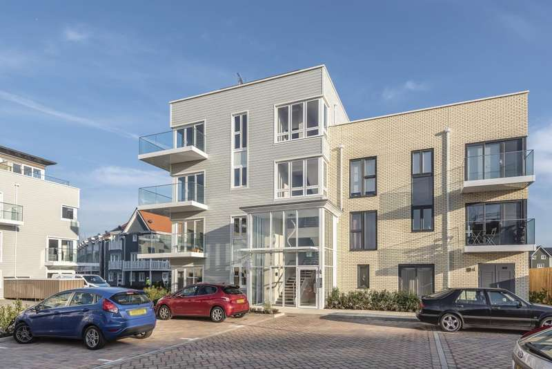 2 Bedrooms Flat for sale in Addison House, Green Park Village, Reading, RG2