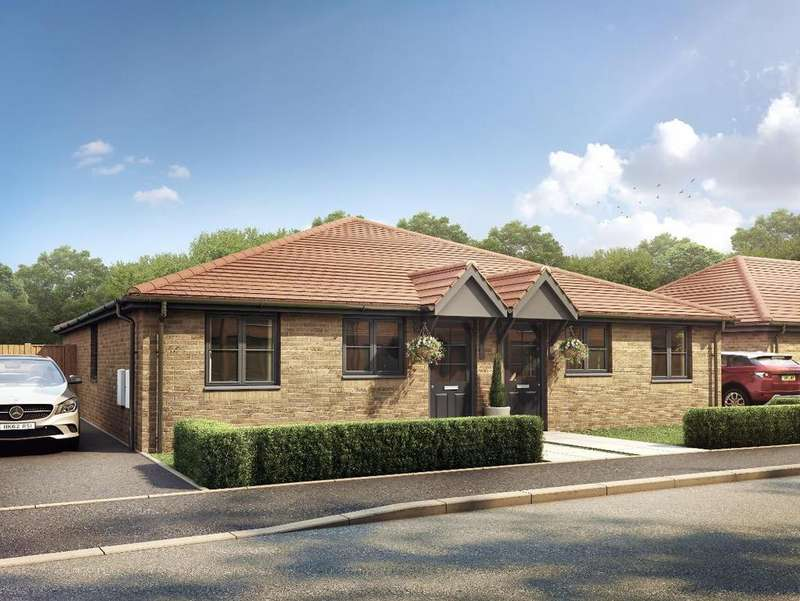 2 Bedrooms Semi Detached Bungalow for sale in Westmoreland Road, Moulton, Spalding