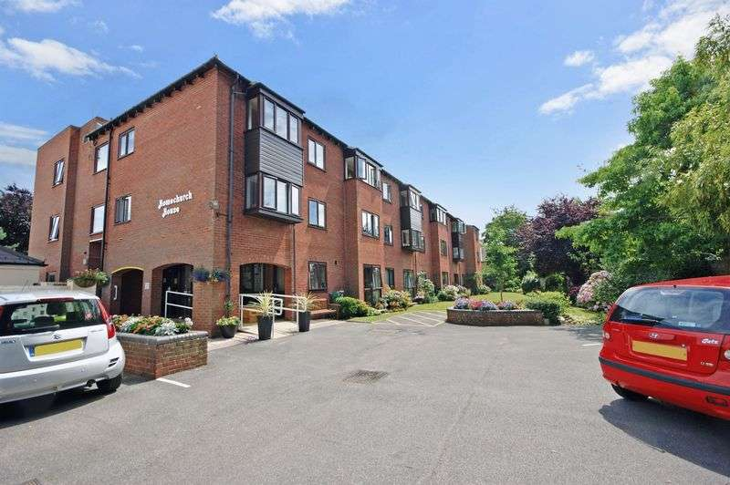 1 Bedroom Property for sale in Homechurch House, Christchurch, BH23 1EH