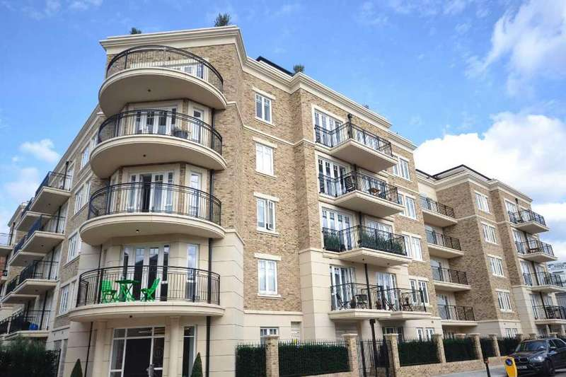 2 Bedrooms Apartment Flat for sale in Highham House West, 102 Carnwath Road, Fulham