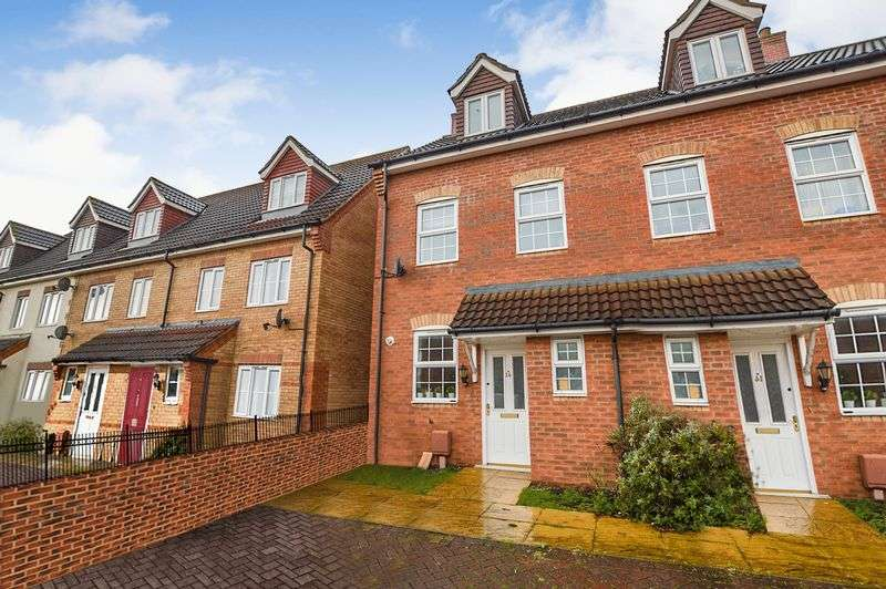 3 Bedrooms Property for sale in Ravel Close, Stamford