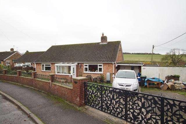 4 Bedrooms Detached Bungalow for sale in Portman Road, Pimperne, Blandford Forum