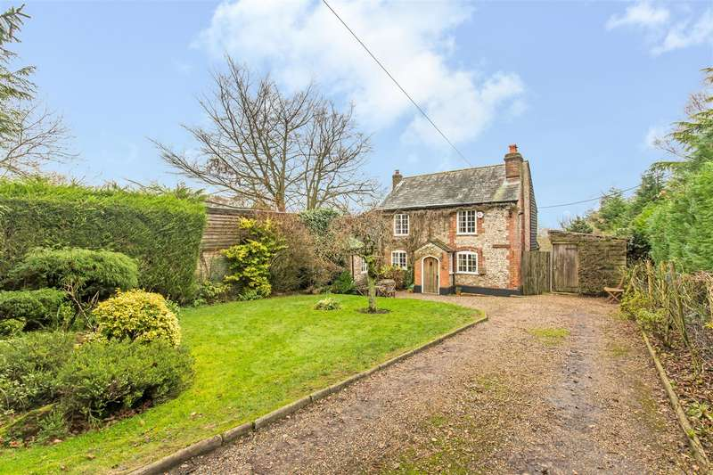 3 Bedrooms Detached House for sale in Grays Road, Westerham