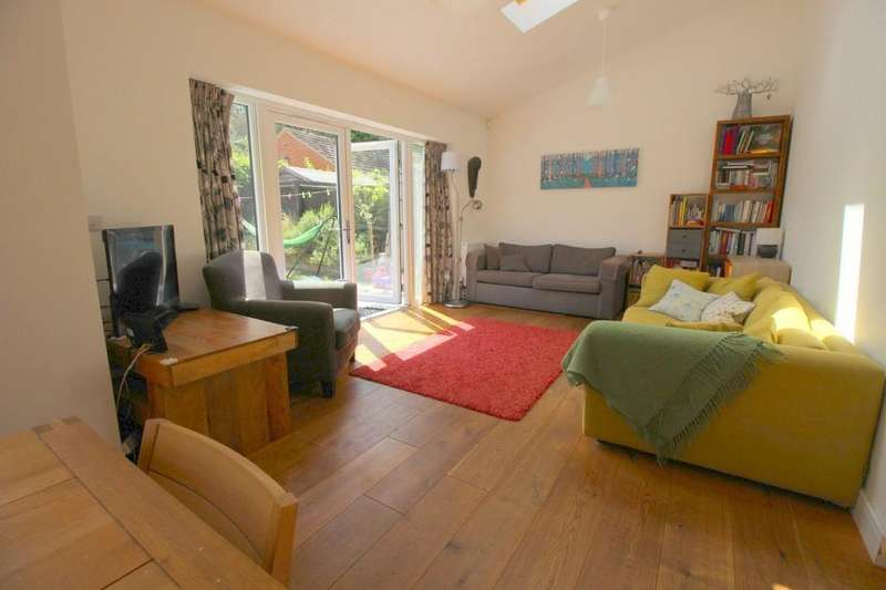 2 Bedrooms Terraced House for sale in Janes Court, Seymour Street