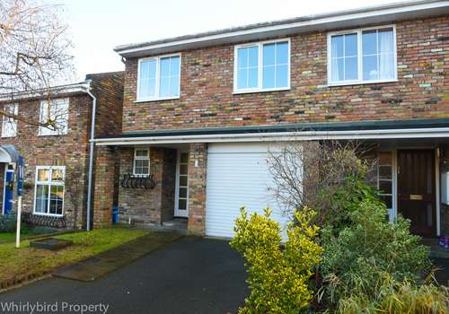 3 Bedrooms Semi Detached House for rent in Rosebank Close, Cookham, Berkshire, SL6 7EF