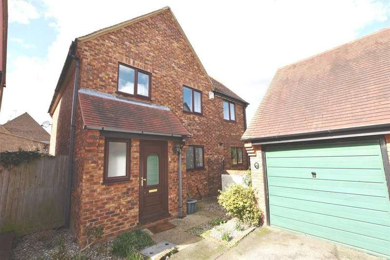 4 Bedrooms House for sale in Cornwallis Drive, South Woodham Ferrers