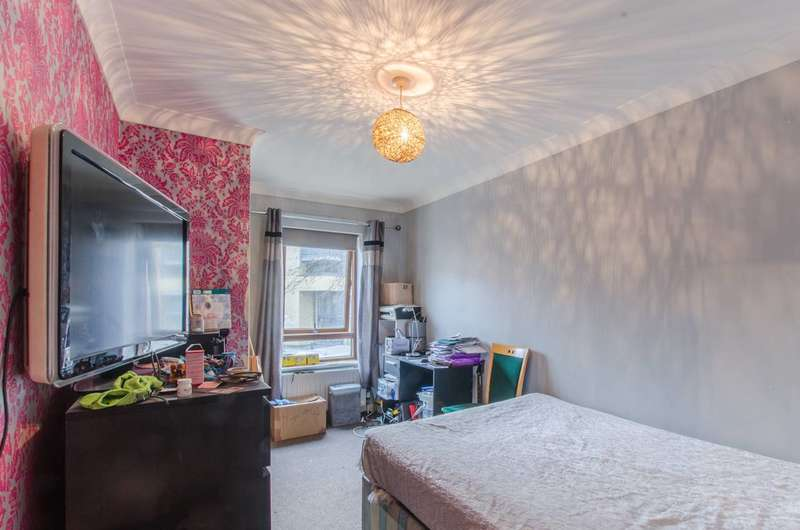2 Bedrooms Flat for sale in Brabazon Street, Limehouse, E14