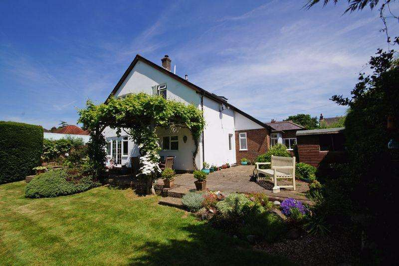 4 Bedrooms Detached House for sale in Wycombe Road, Prestwood
