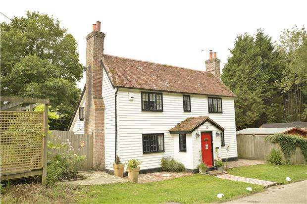 4 Bedrooms Detached House for sale in Vinehall Road, Mountfield, ROBERTSBRIDGE, East Sussex, TN32 5JN