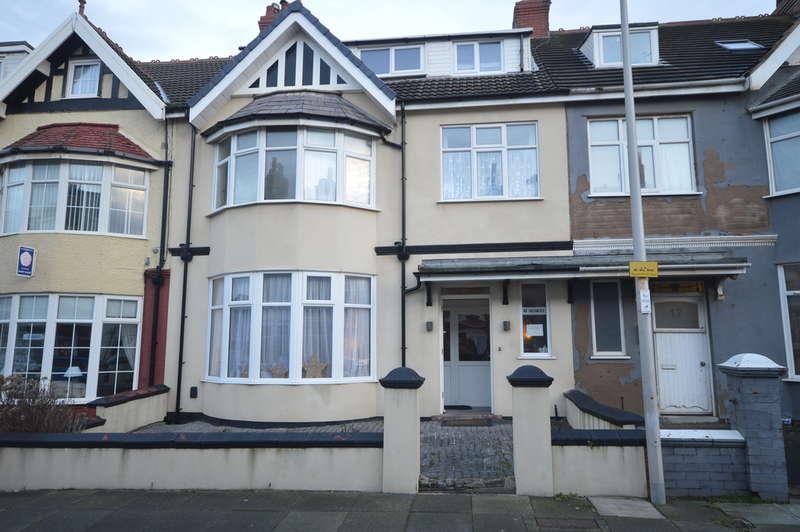 8 Bedrooms Terraced House for sale in Gynn Avenue, Blackpool