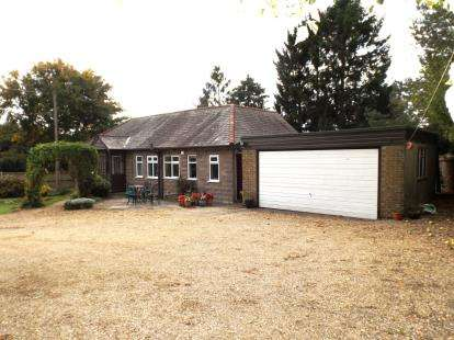 Bungalow for sale in Weir Lane, Houghton-On-The-Hill, Leicester, Leicestershire