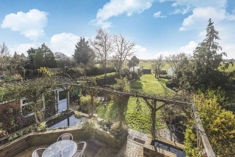 4 Bedrooms House for sale in Hyde End Road, Spencers Wood, RG7