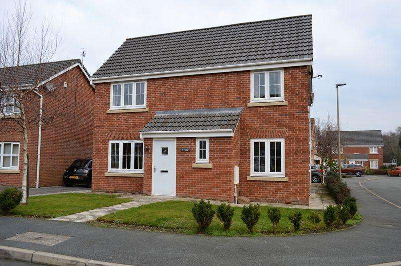 4 Bedrooms Detached House for sale in Kerscott Close, Ince, WN3 4JB