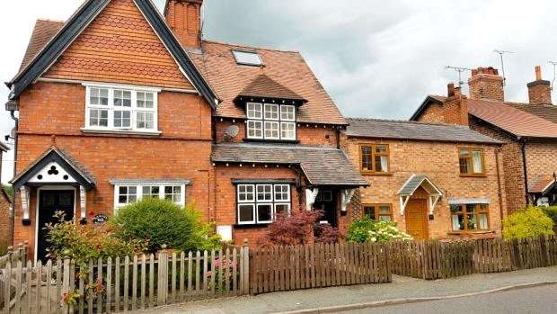 3 Bedrooms Town House for sale in Main Road, Worleston, Nantwich
