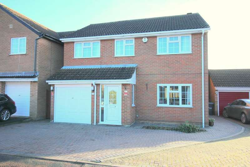 4 Bedrooms Detached House for sale in Thornage Close, Luton, Bedfordshire, LU2 7AT