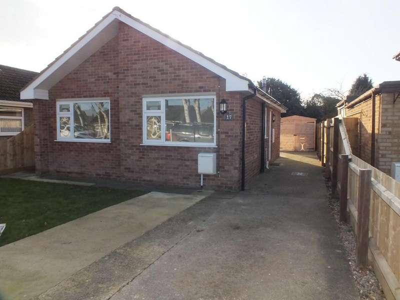 2 Bedrooms Detached Bungalow for sale in The Chase, Pinchbeck
