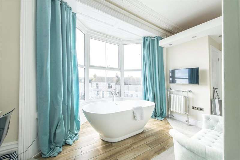 5 Bedrooms End Of Terrace House for sale in Portland, Weymouth, Dorset